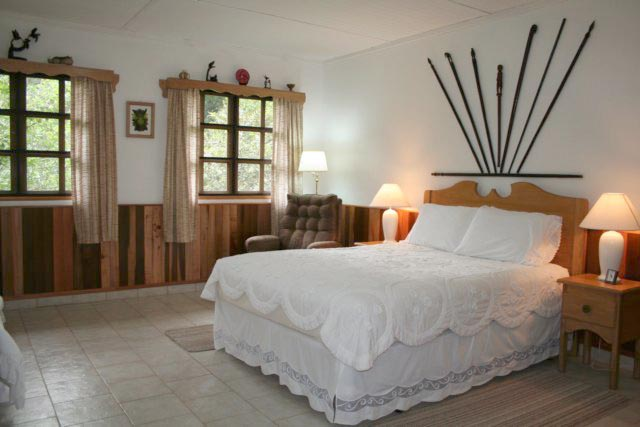 click to see more photos of the Woonan-Embera Room